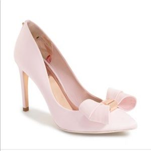 Ted Baker London Ichlibi Bow Pump size: 39.5
